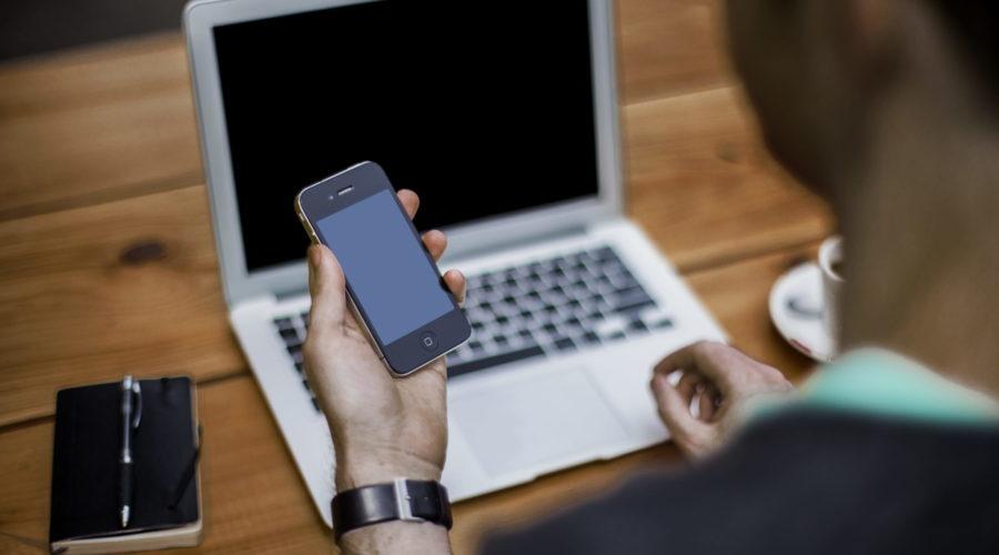 Comment désinfecter efficacement son téléphone, sa souris et son clavier d'ordinateur ?